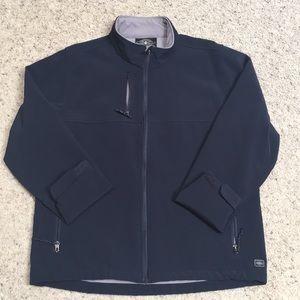 Men's medium wind/waterproof jacket.